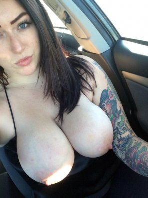 amateur photo tits & tats