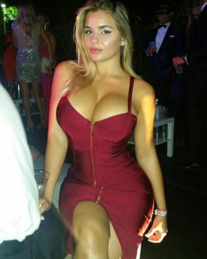 amateur photo Squeezed together in a tight dress