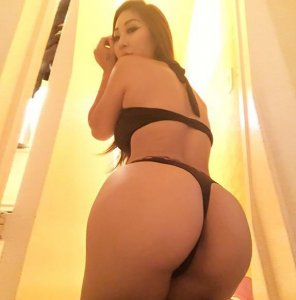 amateur photo Big Asian Booty