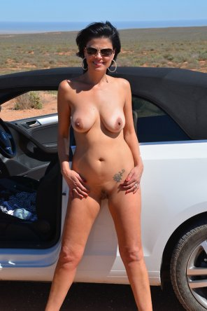 amateur photo Nude in the desert