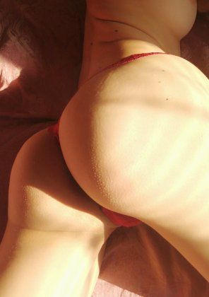 amateur photo Just my sunny booty :)