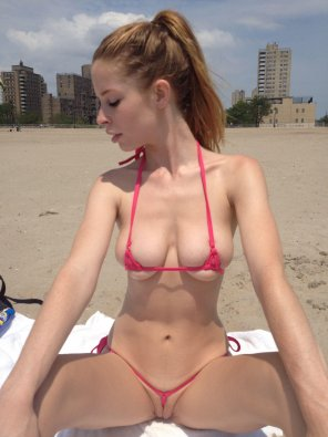 amateur photo Teeny Weeny Bikini