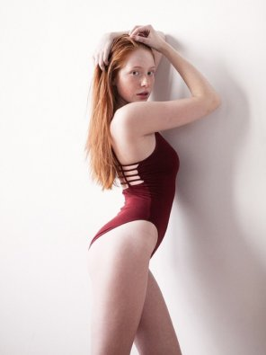 amateur photo Red one piece