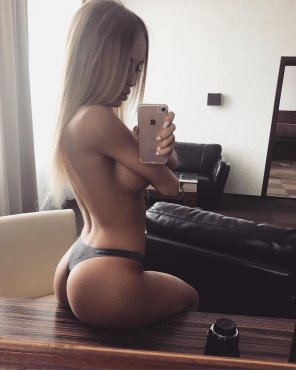 amateur photo Hot Selfie in a Thong