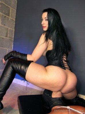 amateur photo Black Leathered Mistress