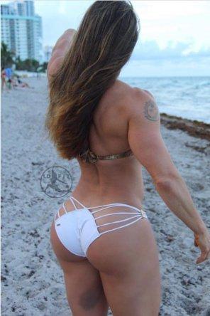 amateur photo Linda Durbesson at the beach