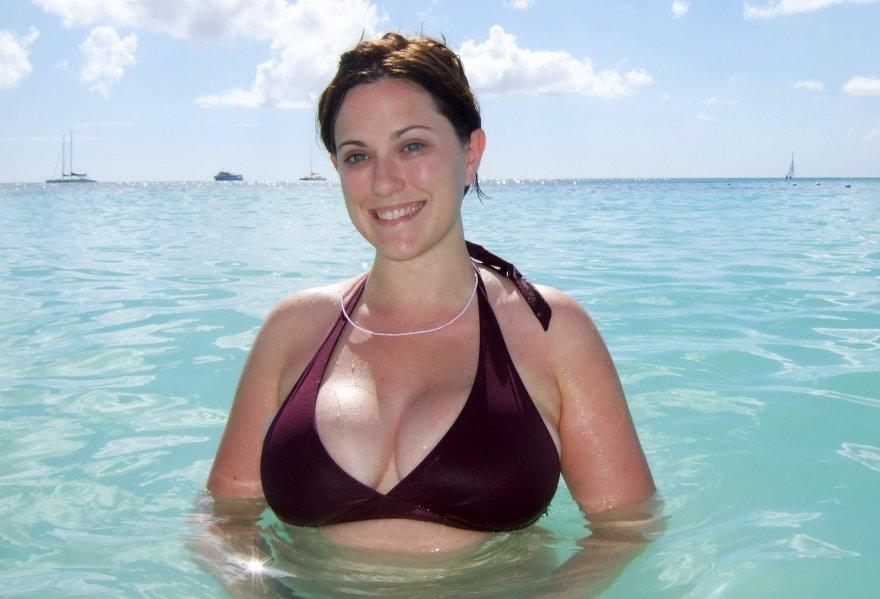 Busty girl in bikini Porn Photo