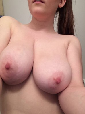 amateur photo [F] Taking Selfie With My Big Tits! For More SC: @ ashley_martin21