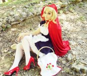 Red Riding Hood By NaoDignity