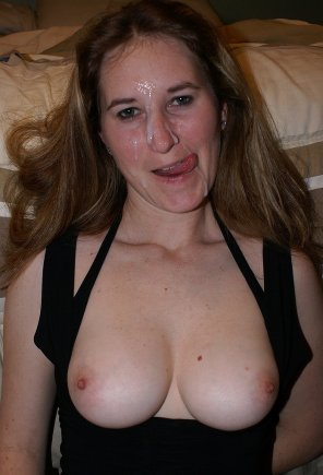 amateur photo Older women can be cumsluts too ;)