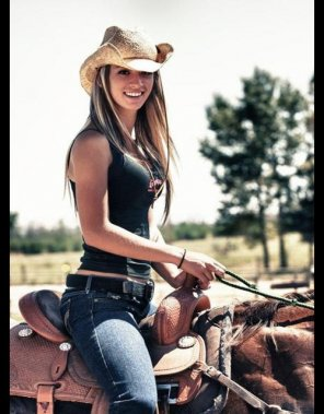 amateur photo Horseback hottie
