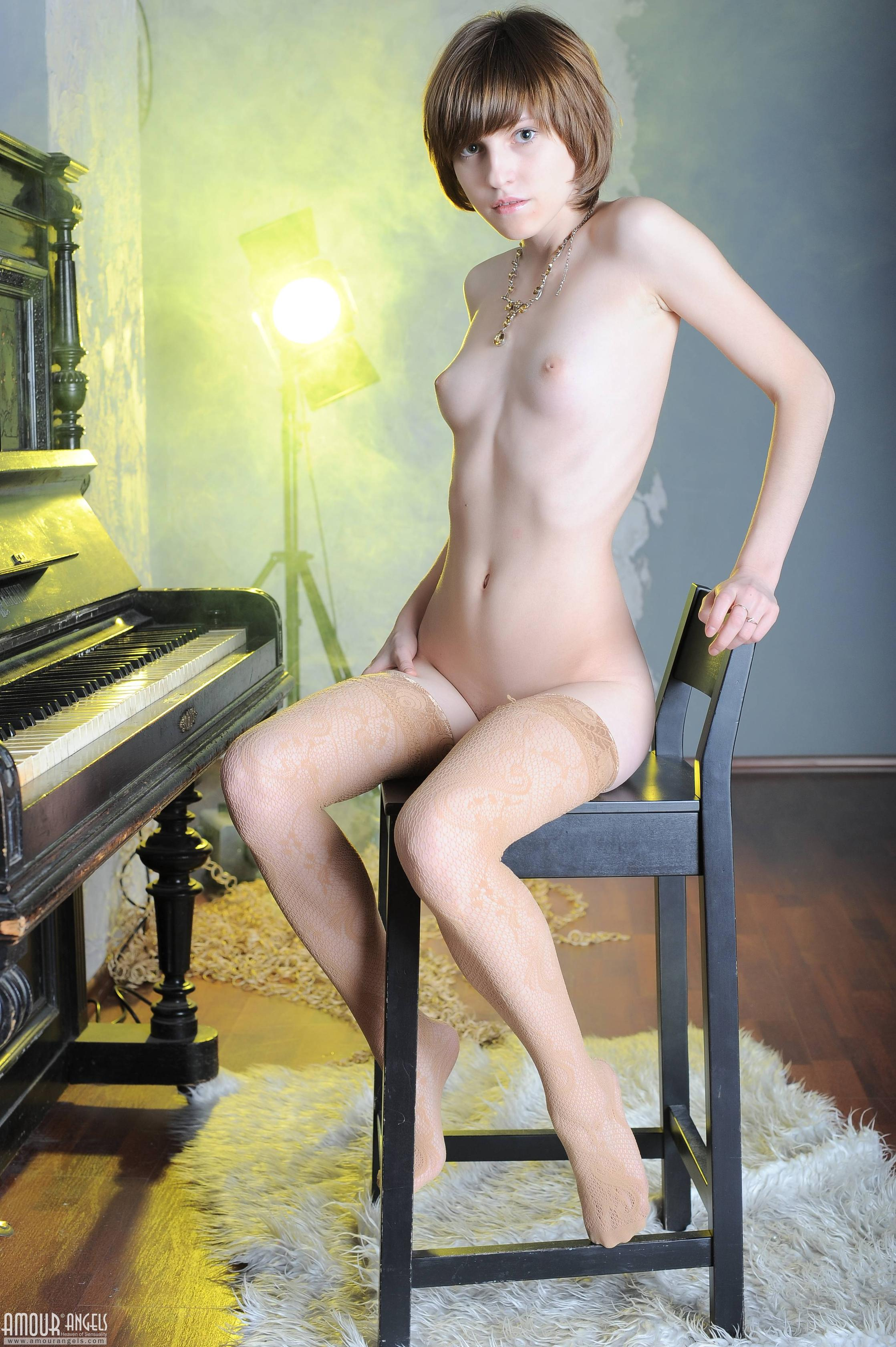 Piano asian anal where