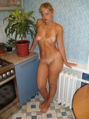 amateur photo Tanlines in the kitchen