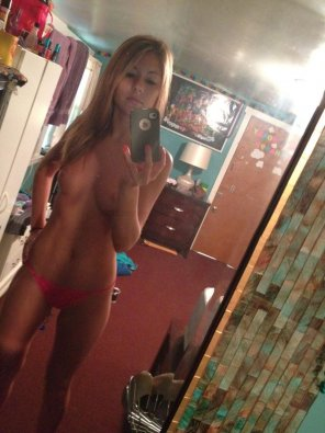 amateur photo Blonde with a banging body