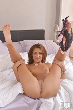 amateur photo Alexis Brill gets her legs up