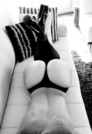 amateur photo B&W Thong