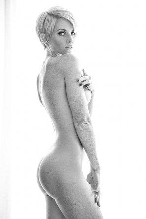 amateur photo Short Hair + Piercings + Full Body Freckles = Amazing