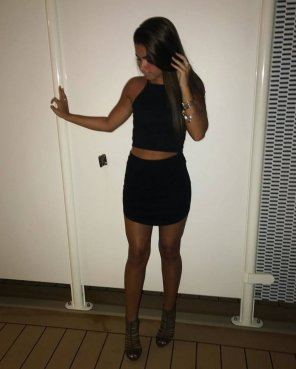 amateur photo PictureSimple miniskirt and heels outfit