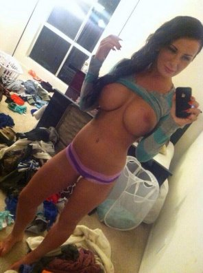 amateur photo Fantastic Tits In A Dirty Room