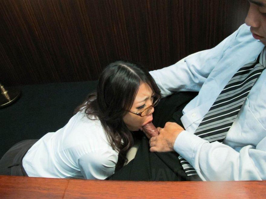 Secretary in action Porn Photo