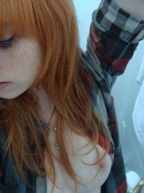 amateur photo Flannel peek