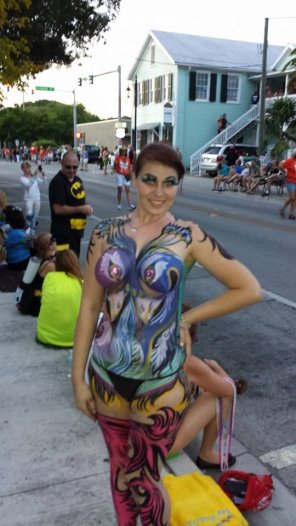 amateur photo FF Body Paint Cutie