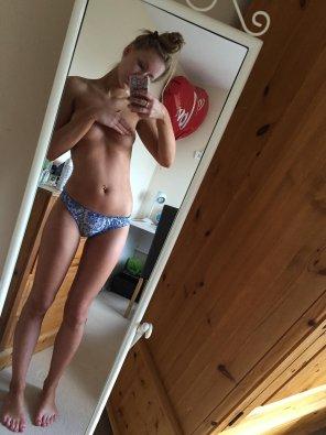 amateur photo Panties and a handbra