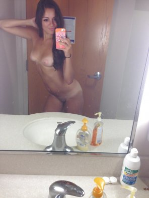 amateur photo Petite & Tanned In The Mirror