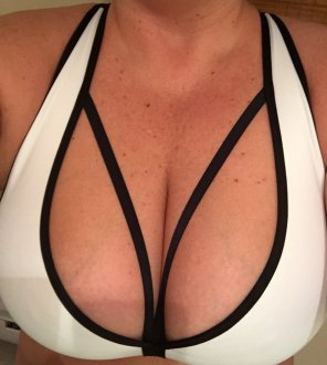 amateur photo New sports bra, what do you think?