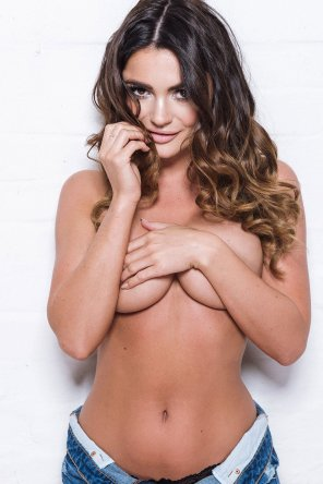 amateur photo India Reynolds Page 3 Underboob