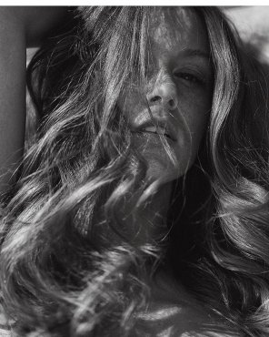 amateur photo B&W Leanna Decker closeup