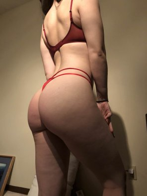 amateur photo The squats are finally starting to pay off [F21]