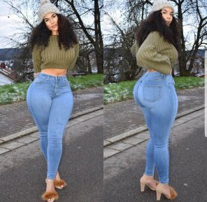 amateur photo Killing those jeans