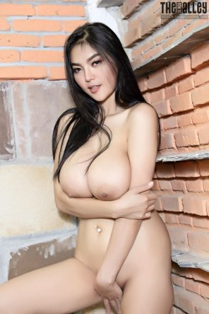 amateur photo Asian locked and loaded