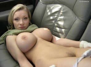 amateur photo Back seat babe