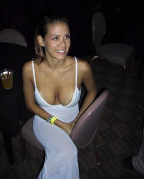 amateur photo Deep cleavage
