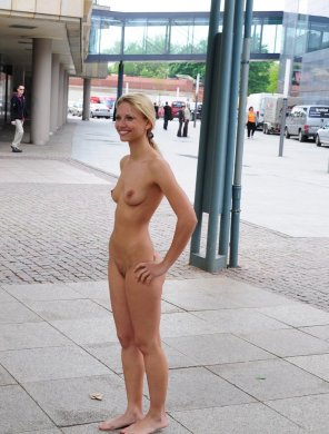 amateur photo Saw her standing there