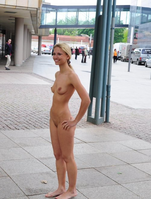 Saw her standing there Porn Photo