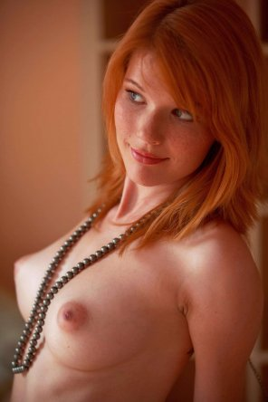 amateur photo Mia Sollis pearl necklace and awesome smile
