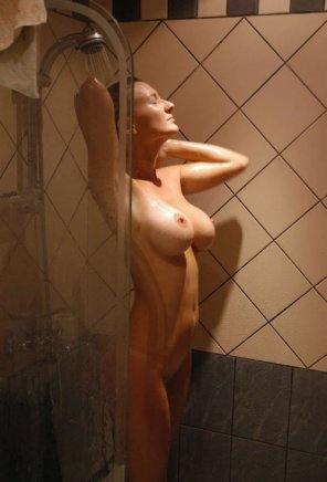 amateur photo Taking a shower
