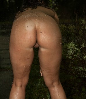 amateur photo Dripping Wet Pussy