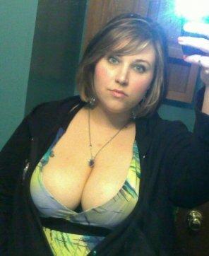 amateur photo Peek a boob