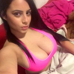 amateur photo PictureThats a lovely Sports Bra !!!