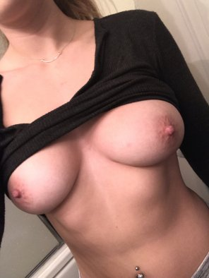 amateur photo the weekend means no bras!