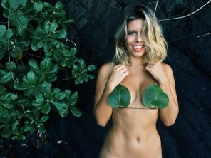 amateur photo Natasha Oakley