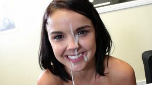 amateur photo Dillion Harper