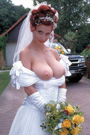 amateur photo Stunning ginger bride.