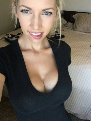 amateur photo Black top & biting lip