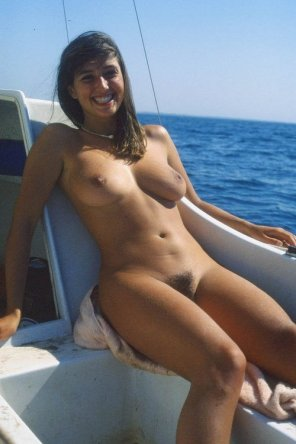 amateur photo Boobs, boat, bush and blue waters