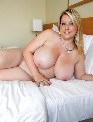 amateur photo Busty blonde...